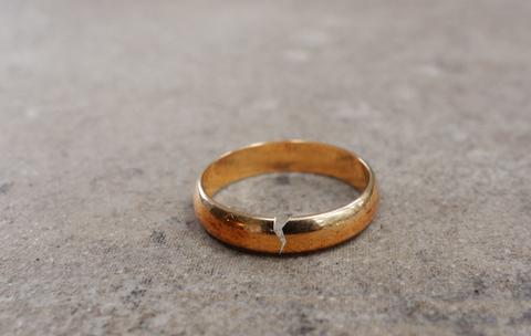 האם להתגרש? 3 סימני האזהרה שמעידים על סוף הקשר