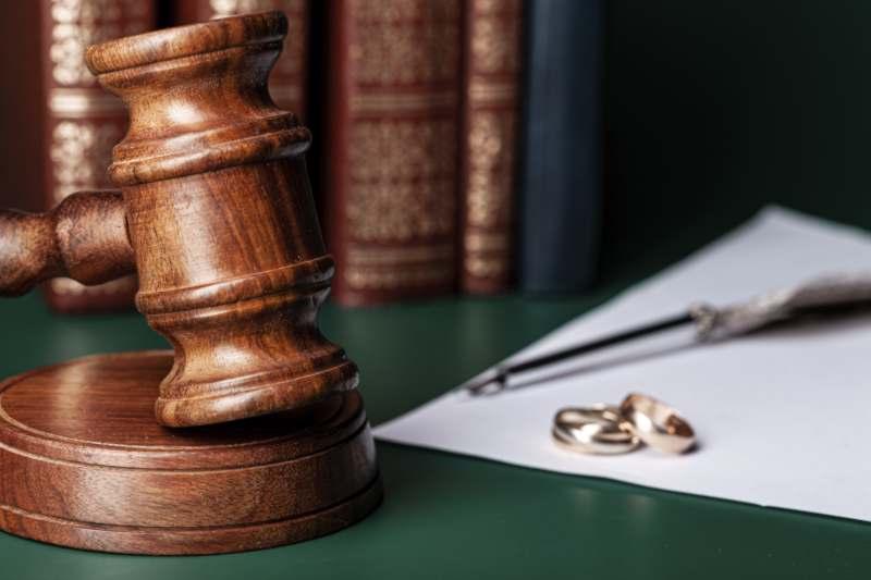 האם להתגרש מבן זוג עקר/ה?